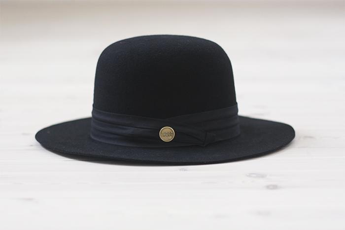 Deadwood bucket hat